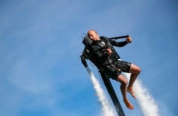 Flyg Jetpack