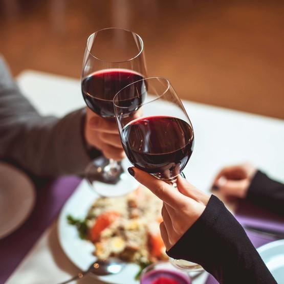 Kombinera mat och vin för två