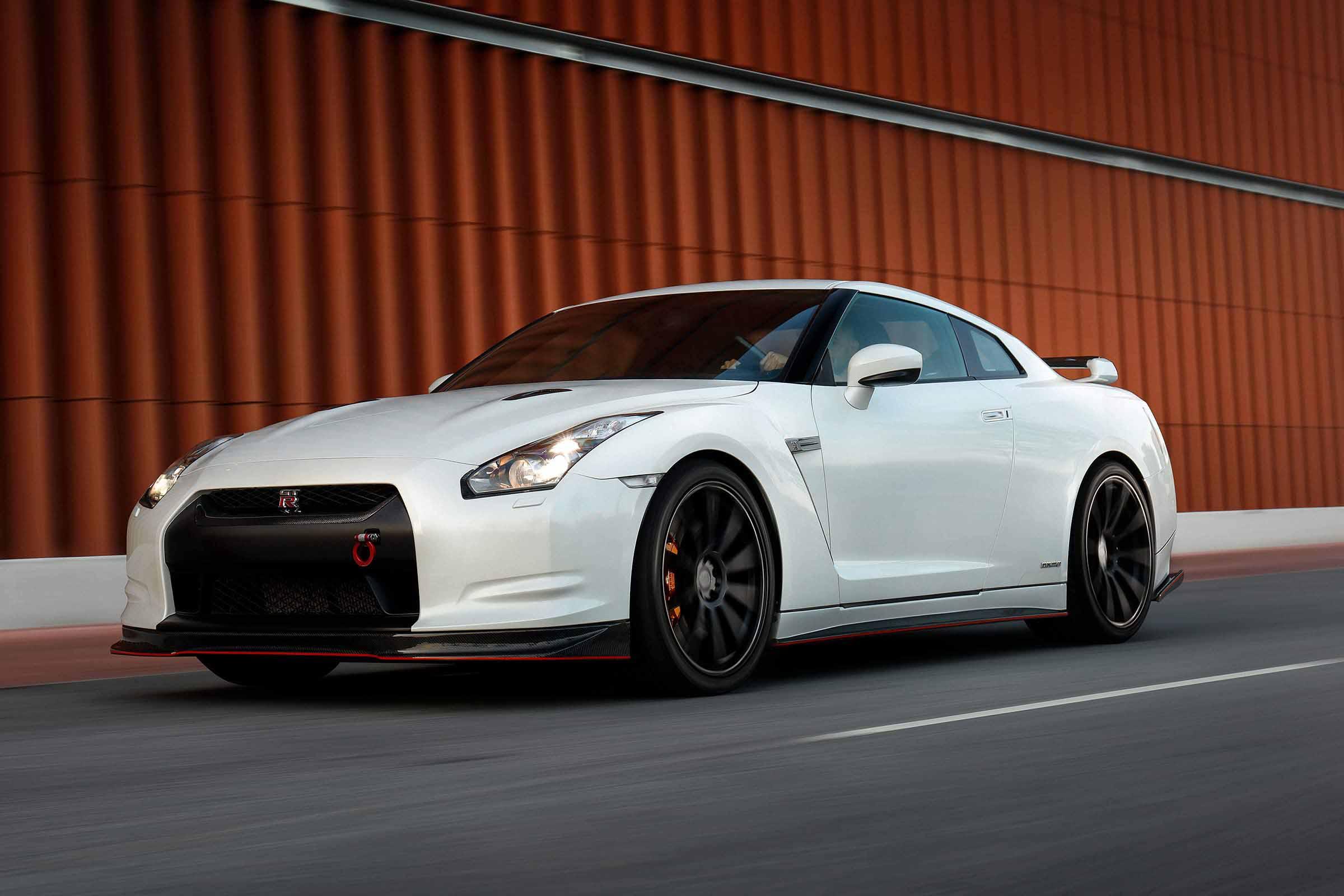 Kör Nissan GT-R