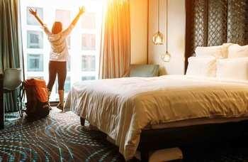 Hotellövernattning